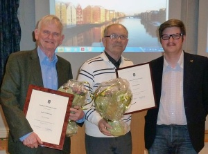 Nyutnevnte æresmedlemmer f.v. Anders Kirkhusmo, Rolf Grankvist og nestleder Tor Anders Bekken Martinsen. Harald Nissen var ikke tilstede.
