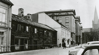 [Hegdahlgården / Munkegata 5 (1964) fra Trondheim byarkivs flickrstrøm]