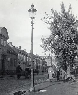 [Kjøpmannsgata 34, 36 og 38 - Olav Tryggvasons gate 1 (1936) fra Trondheim byarkivs flickrstrøm]